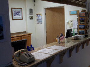 Front Desk Flathead Lake Inn
